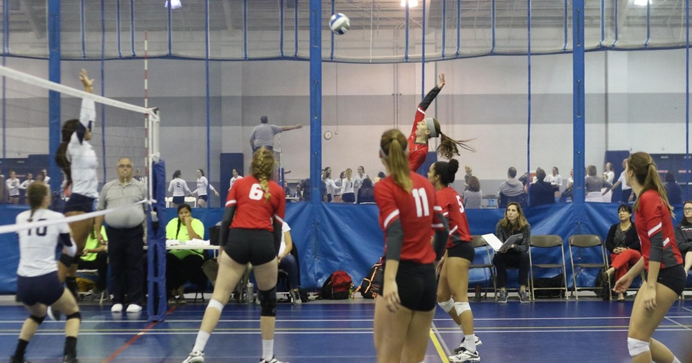 #10 Volleyball Opens UAA Play with a Split