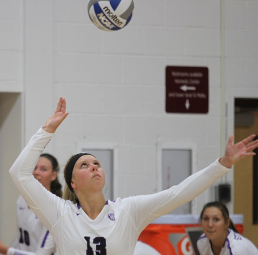 Freshmen power another MIAC road win for Volleyball