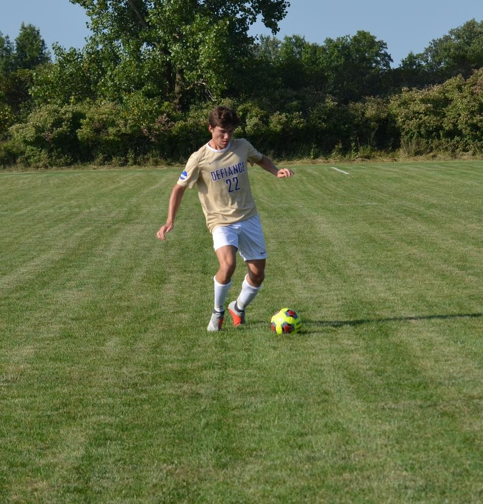 Men's Soccer Narrowly Defeated by Hornets