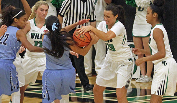 Smothering Defense Leads to Easy Points as Wilmington Women's Basketball Downs Shaw, 73-55, in Thanksgiving Classic