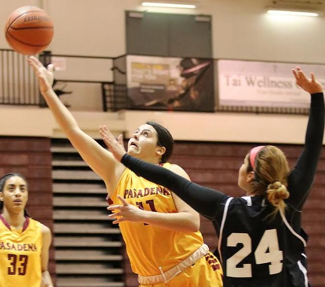 Ilianna Blanc scored 20 points in Friday's loss at LA Trade Tech.