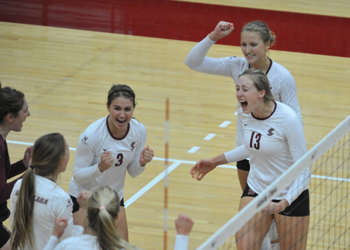Volleyball Hosts BYU on Sat., Oct. 29 at 1 pm in the Leavey Center