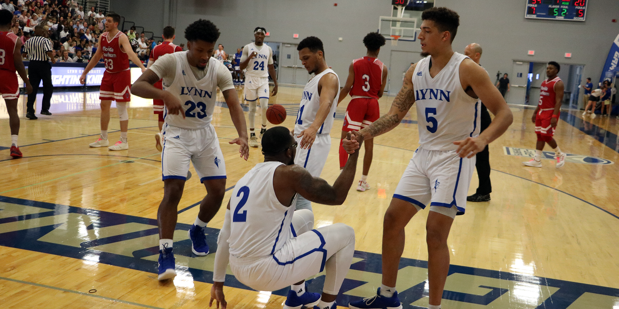 Men's Basketball Tabbed No. 14 in NABC Rankings; Holds on Media Poll