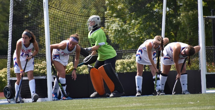 Field Hockey quiets the Quakers