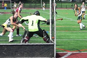 Wildcats Fall to Wells 5-0 in Field Hockey Action