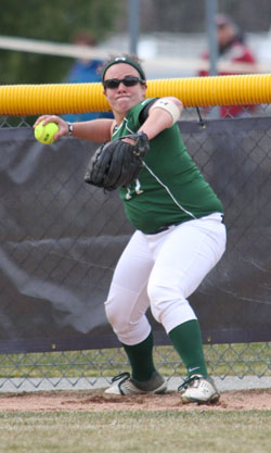 Softball Splits With Springfield, Hopes For Second Seed Dashed