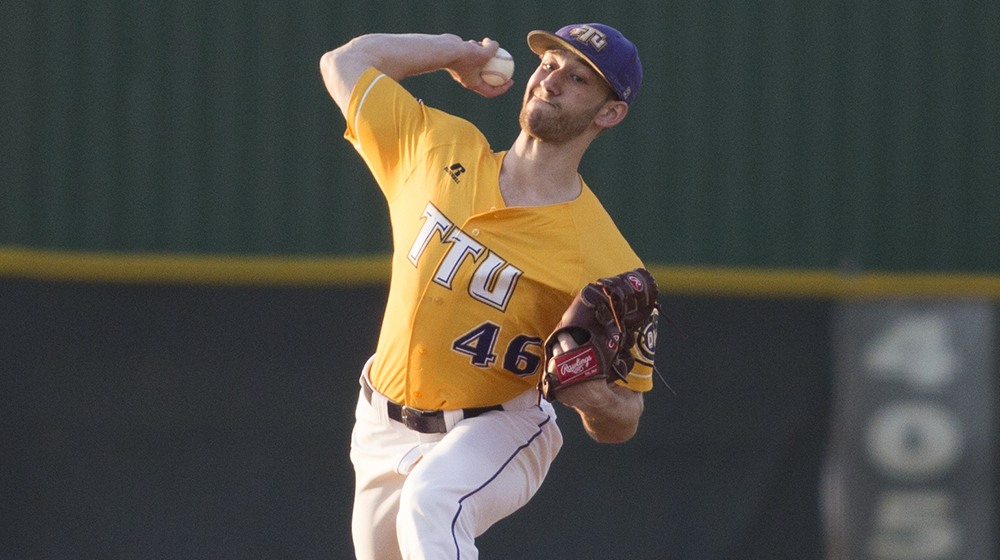 Golden Eagles sweep doubleheader over UT Martin to open OVC play