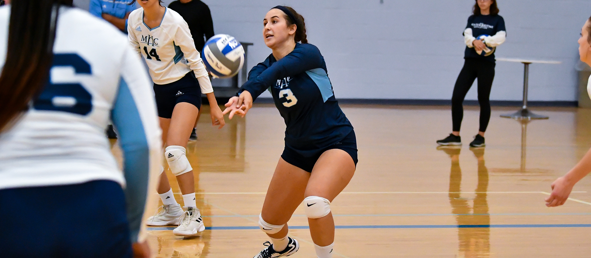 Volleyball Suffers Three-Set Sweep at WPI in NEWMAC Play