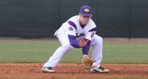 Golden Eagles edged by Chippewas, 12-11, in extra innings