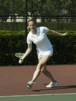 Women's Tennis Defeats UW-Milwaukee, 5-2