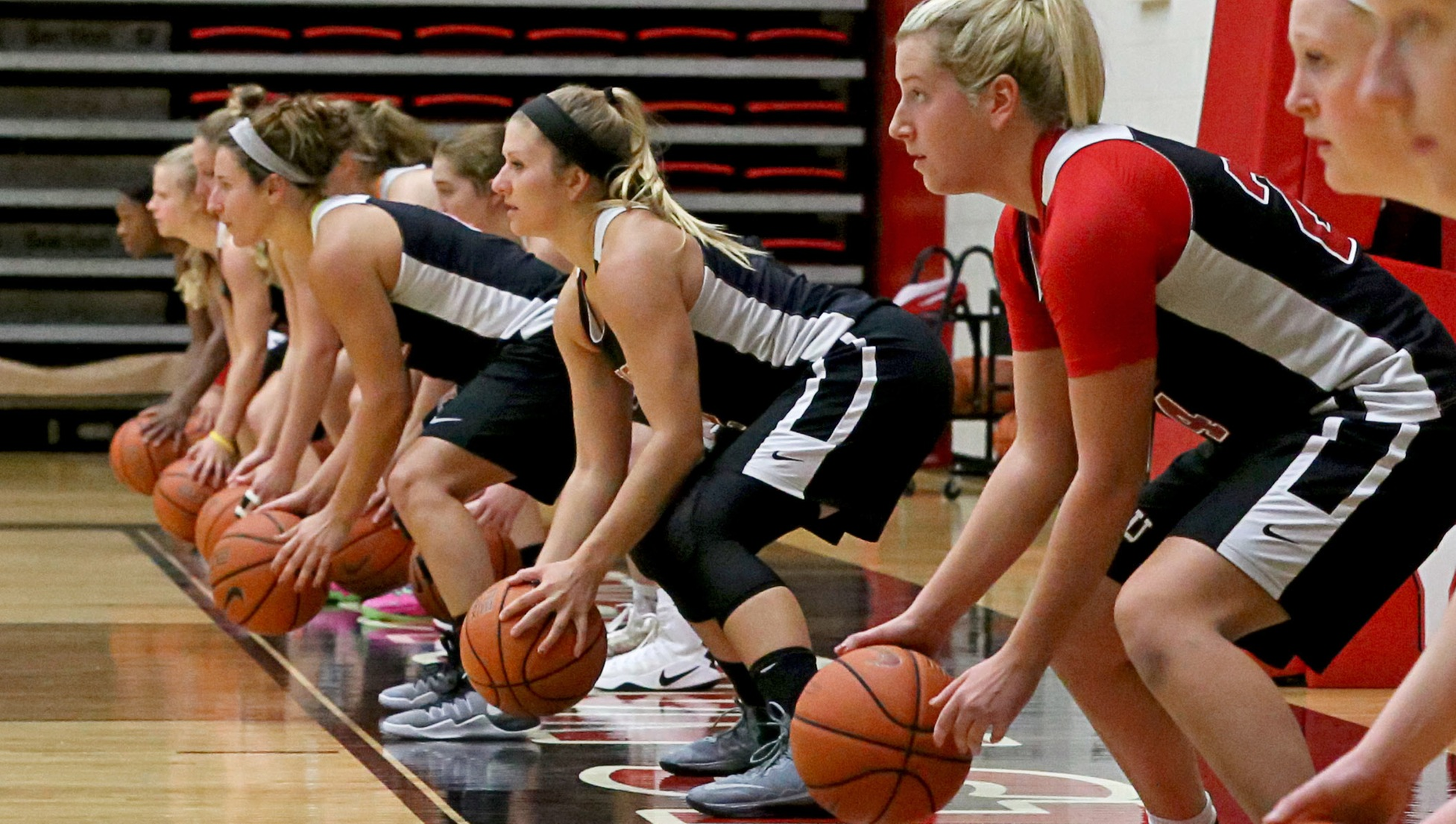 The YSU women's basketball team held its first practice of the 2017-18 season on Oct. 2 at Beeghly Center.
