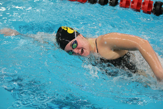 Women's Swimming wraps up dual meet schedule with win over Bryn Mawr