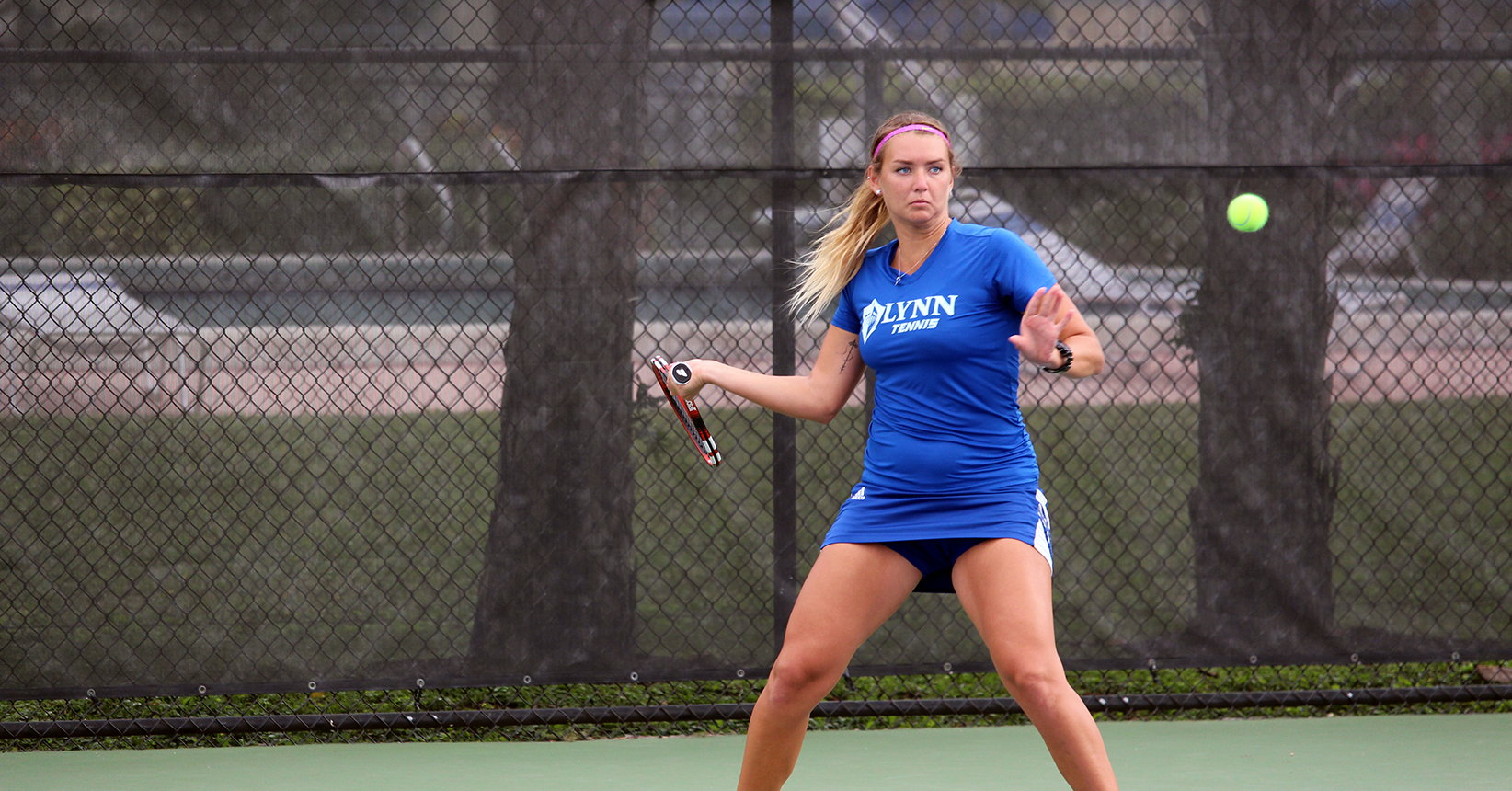 Women's Tennis Rebounds over Rollins, 8-1