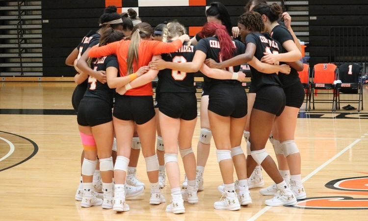 Volleyball Defeated in Five Set Thriller by Brookhaven
