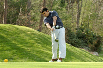 Golfers impress in spring debut, tying for sixth at UMass-Dartmouth