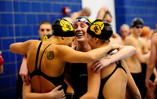 Women's Swimming outlasts Dickinson, 135-127