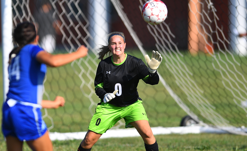 Strong Second Half Pushes Elms Past Women's Soccer