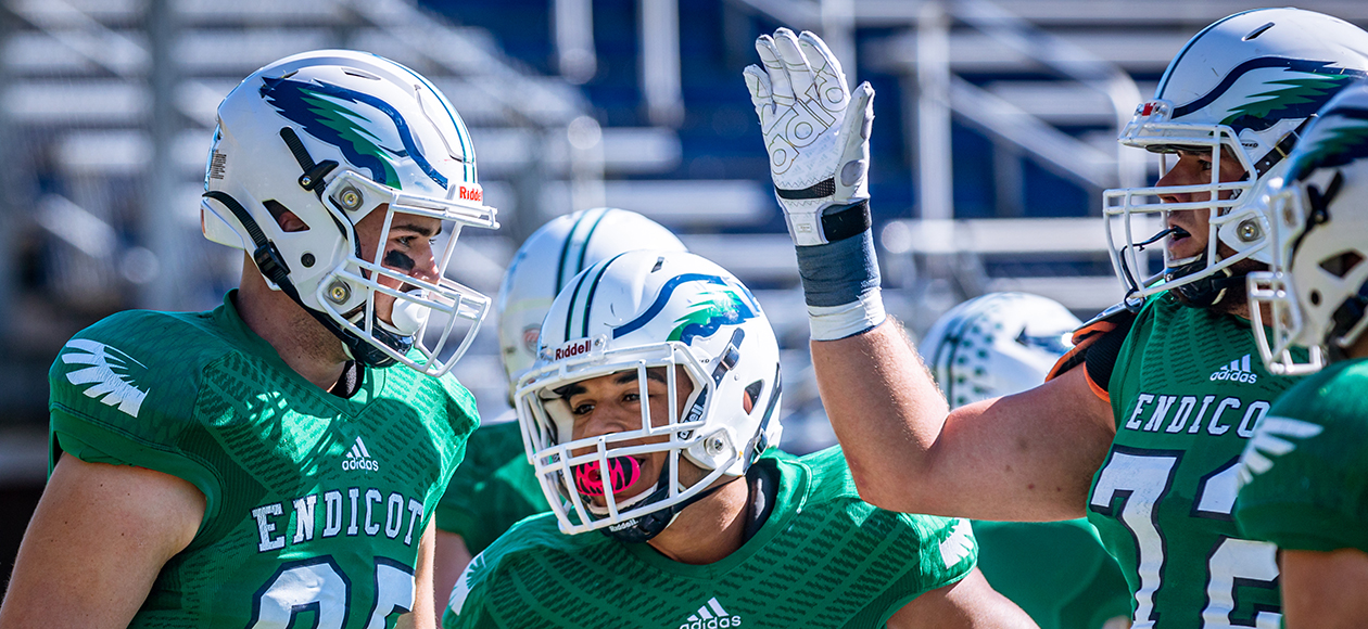 Endicott Moves To Fourth In Latest Grinold Chapter New England Division III Football Weekly Rankings