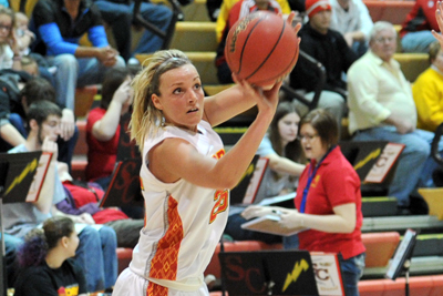 Storm survive scare at Dubuque, win 75-66