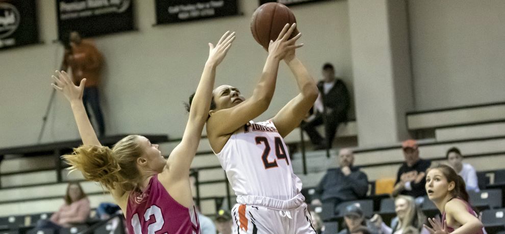 Five reach double figures as Pioneers beat Lenoir-Rhyne, 82-57