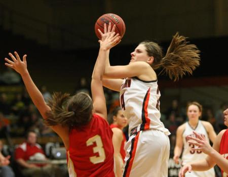 Women's Basketball advances to OAC Championship game after victory over third-seeded Cardinals