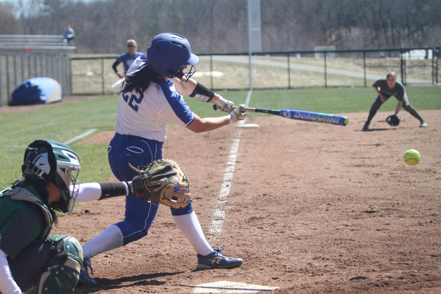 Sophomore Jessica Budz drove in a pair of Wellesley runs with an RBI single in game one (Robert Oliver).