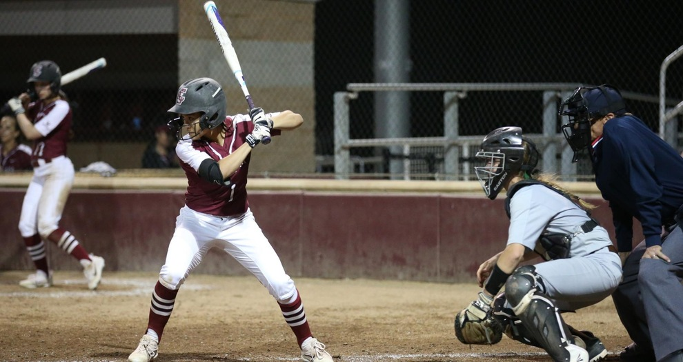 Softball Drops Close Game in Finale, Falls Twice Saturday