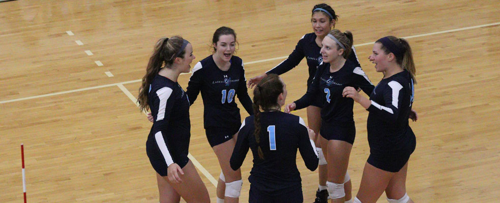 Women's Volleyball Splits with Eastern Nazarene and UMass Dartmouth