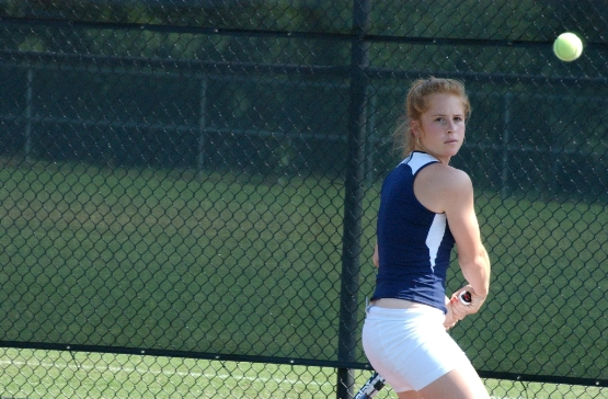 #23 UMW Women's Tennis Blanks St. Mary's in CAC Semifinals