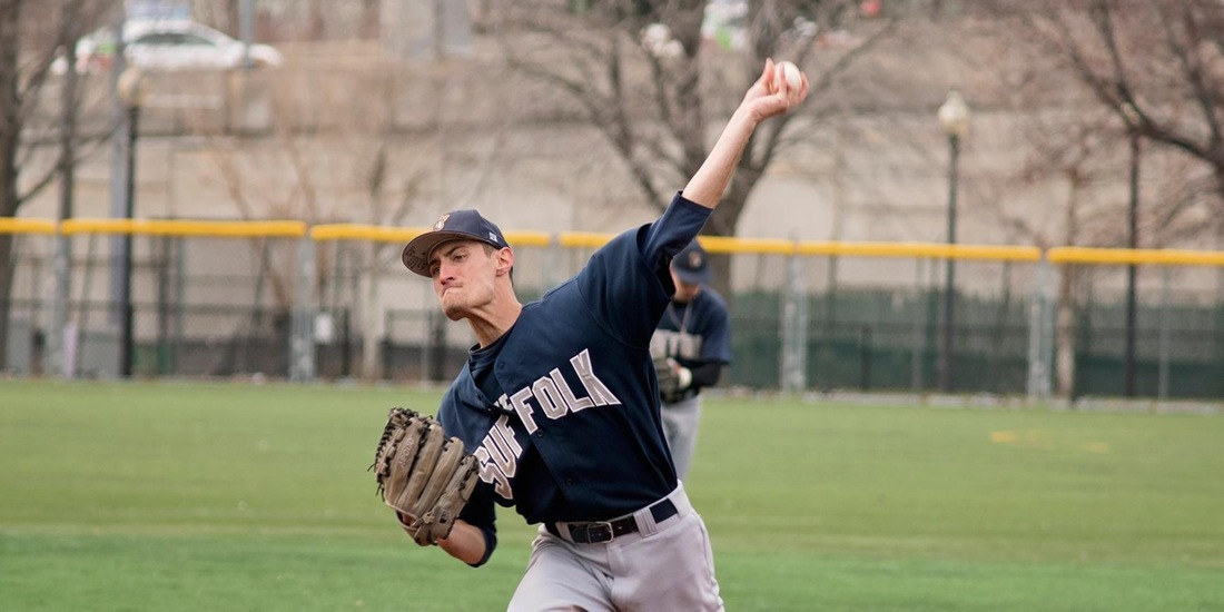 Baseball Holds Off Endicott, 3-2, in Game 1