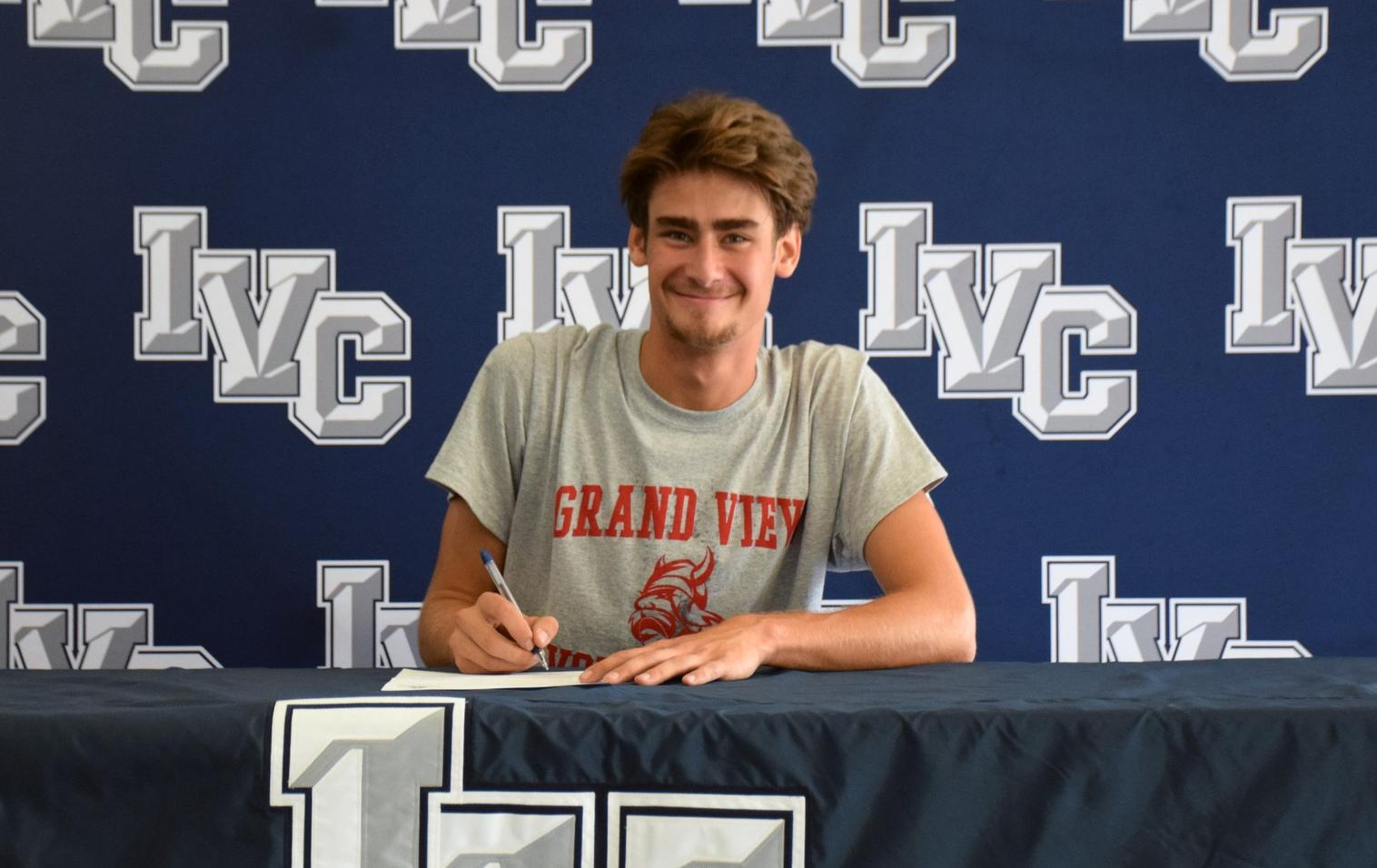 Men's volleyball player Pat Furlong headed to Grand Valley