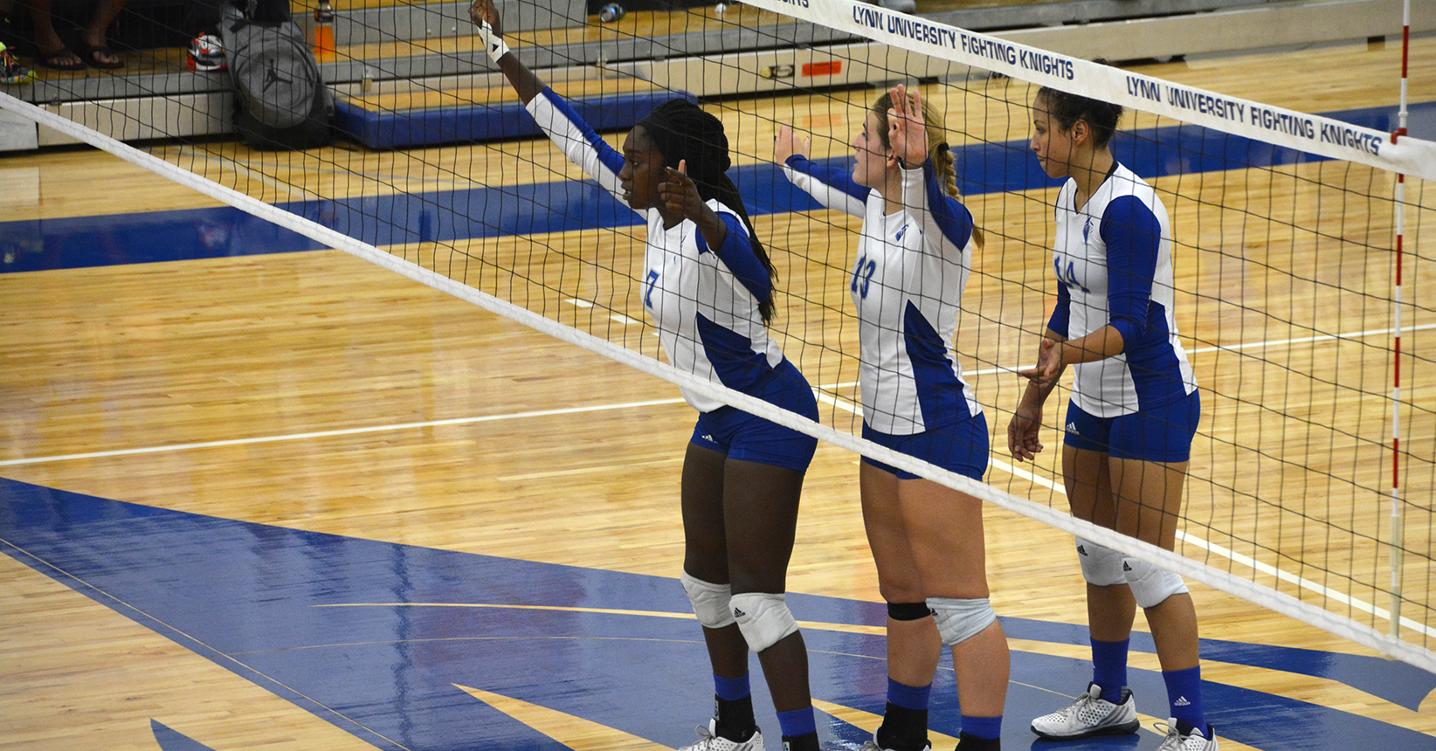 Volleyball Battles Barry in SSC Home Opener