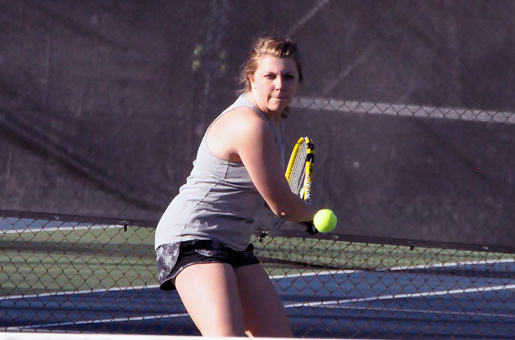 Women's Tennis: Panthers do not lose a set in sweeping Wesleyan 9-0