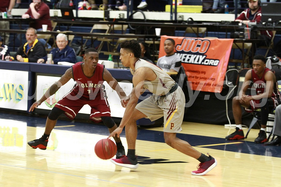 PRCC Wildcats fall to hot-shooting Holmes in region final