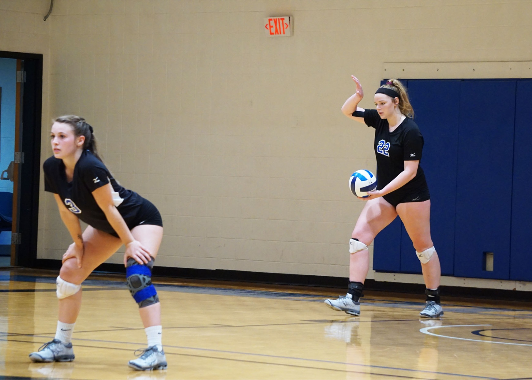 Volleyball Sweeps Surry Community College