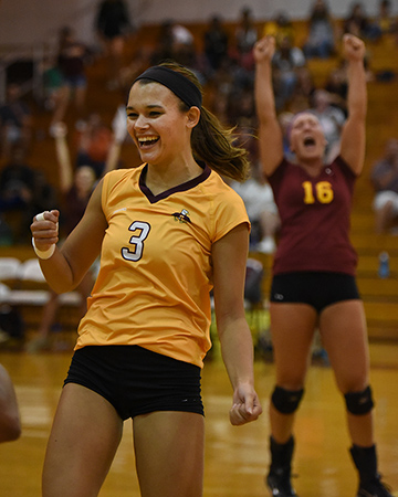 Volleyball marches past Saints 3-0