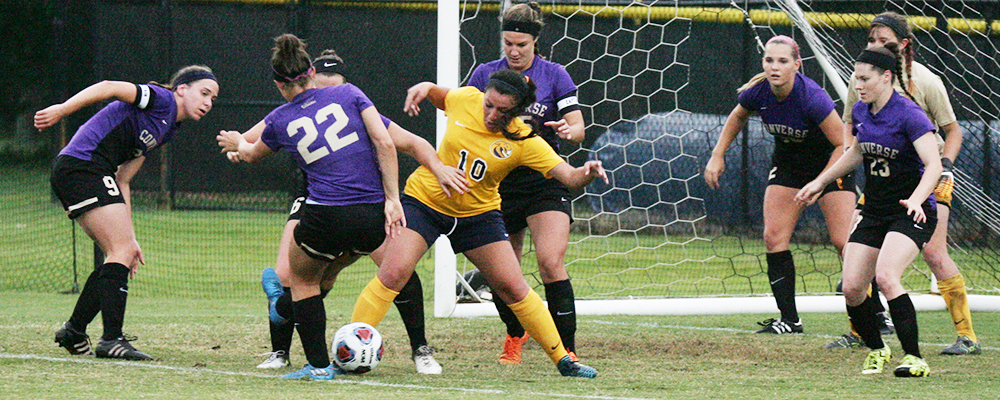 Cobras and Valkyries Play to 0-0 Draw