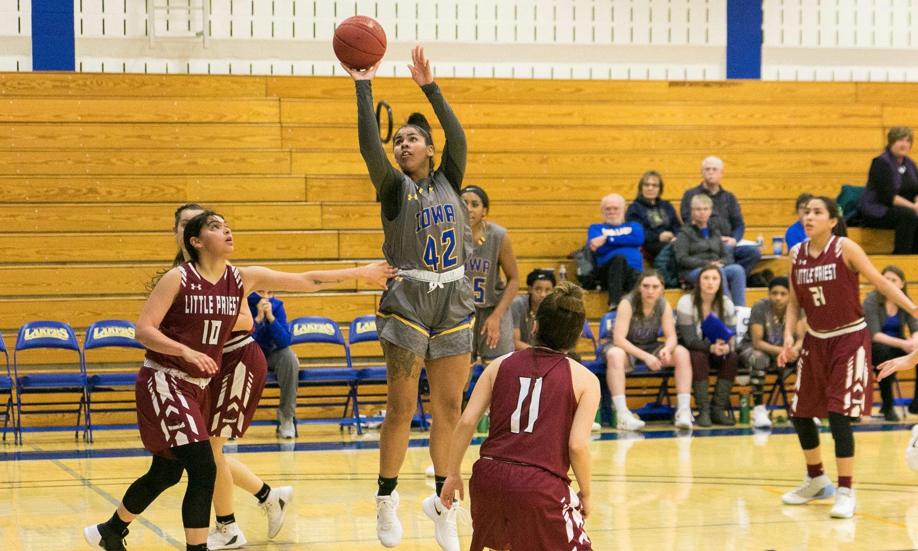 Team effort propels Iowa Lakes past DMACC