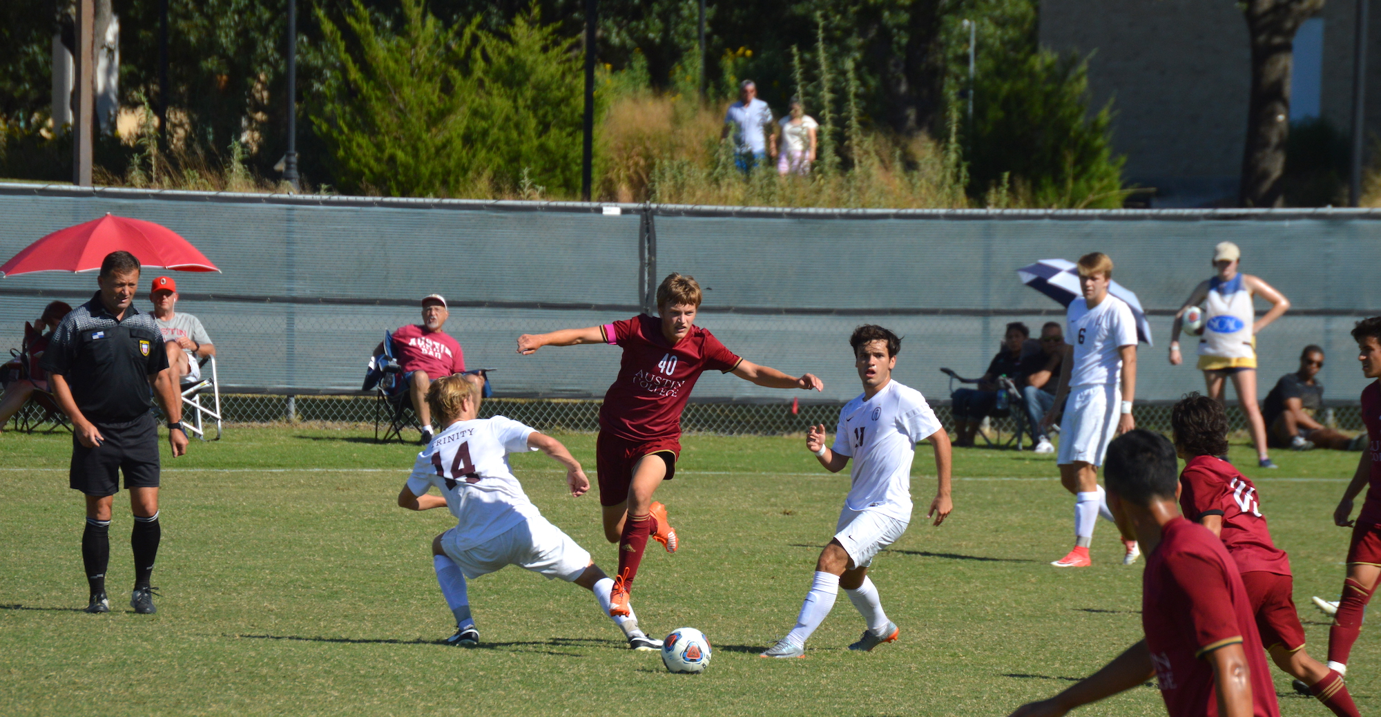 No. 4 Trinity Edges 'Roo Men's Soccer
