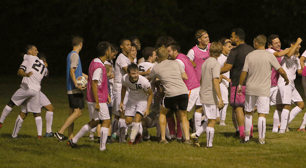 Men's soccer tops Rose-Hulman with McPeek's heroics