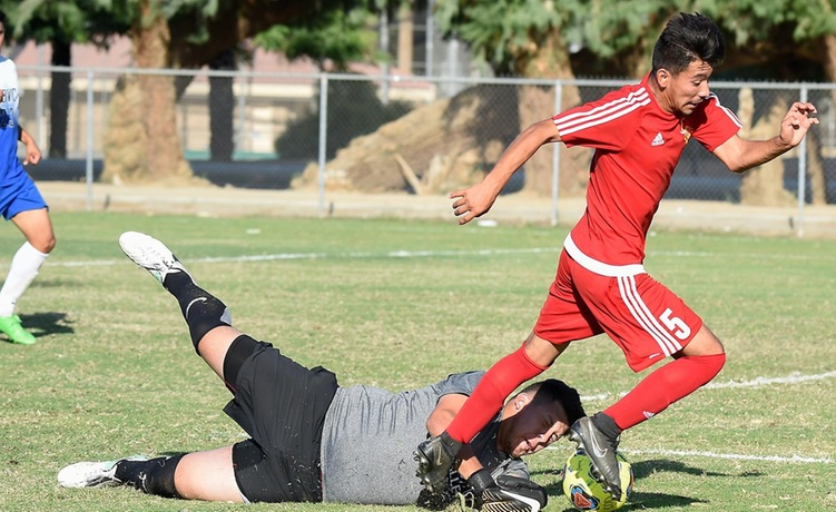 COD Men's Soccer pushes past the Arabs, 2-1