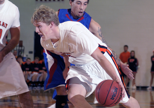 #7 Oilers Pound Glass, Win 92-62 Over Fighting Scots