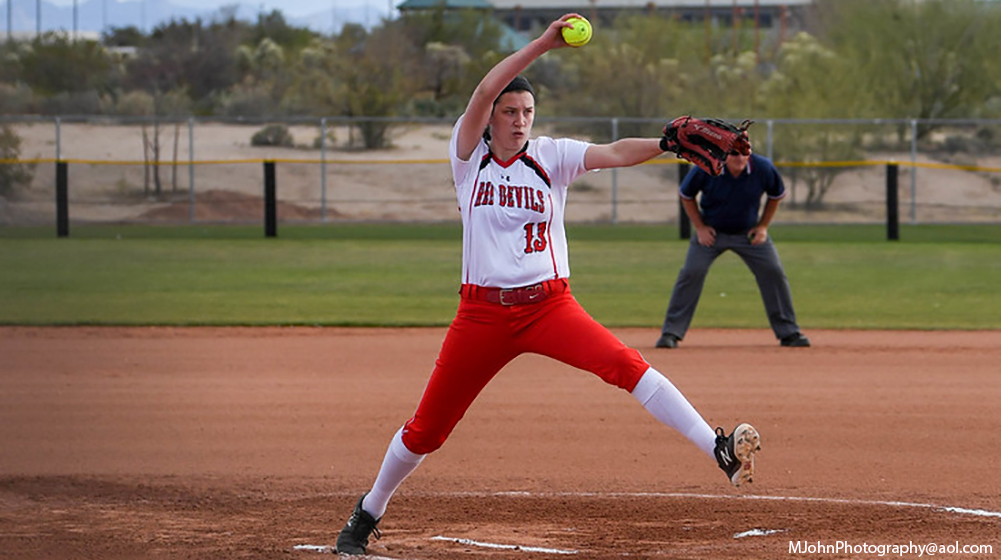 Softball Opens With Two Wins in Tucson