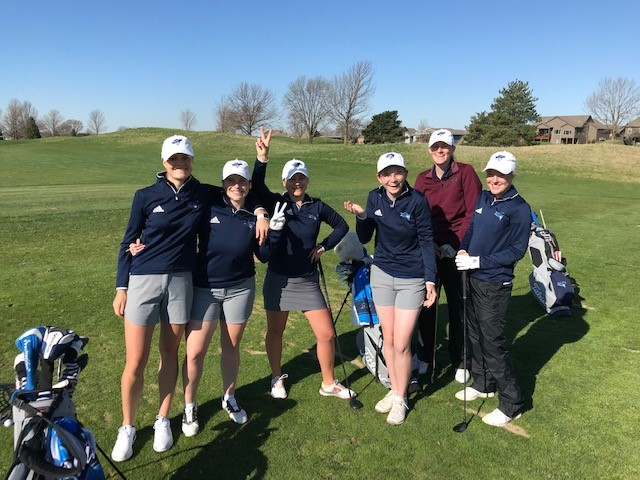 Women take the Lead at the Region XI Golf Championships