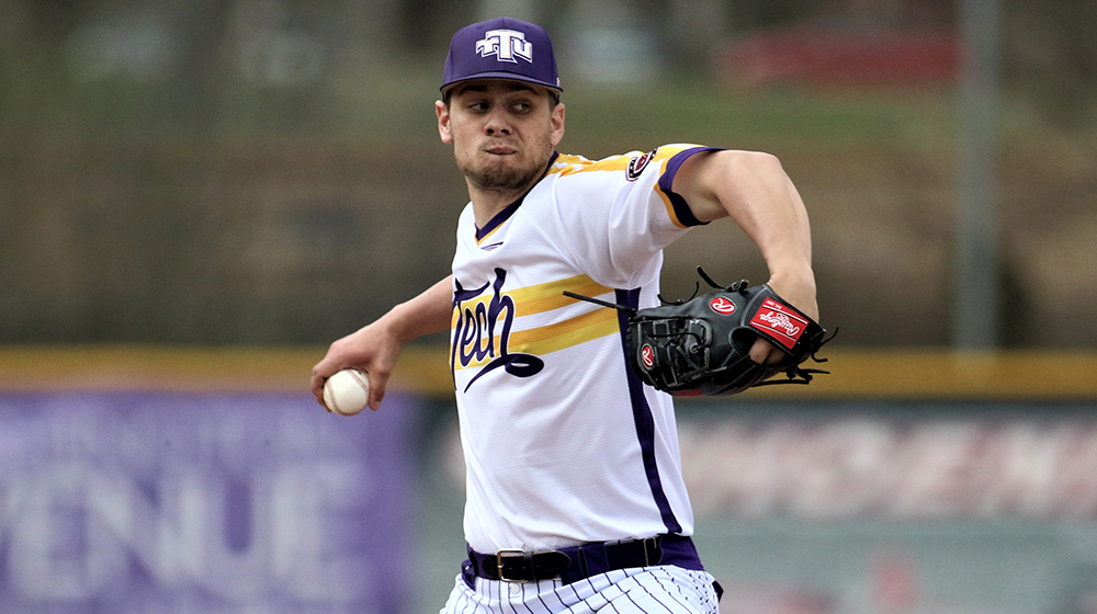 Golden Eagles fall in series finale at Austin Peay