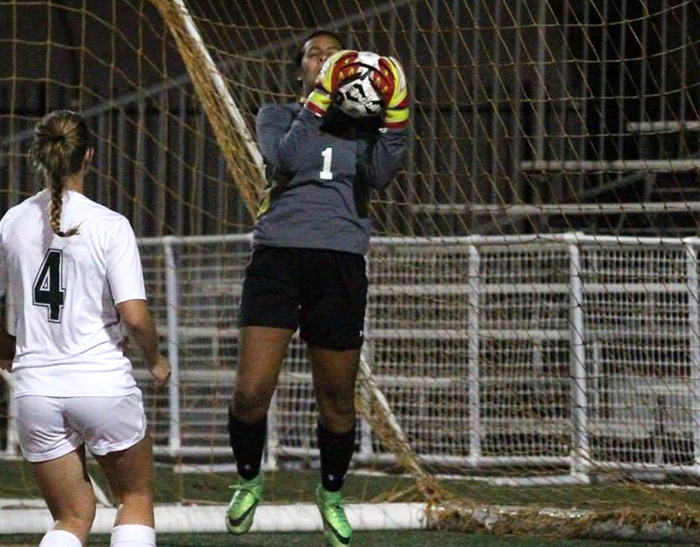 La Verne drops to CMS on late goal