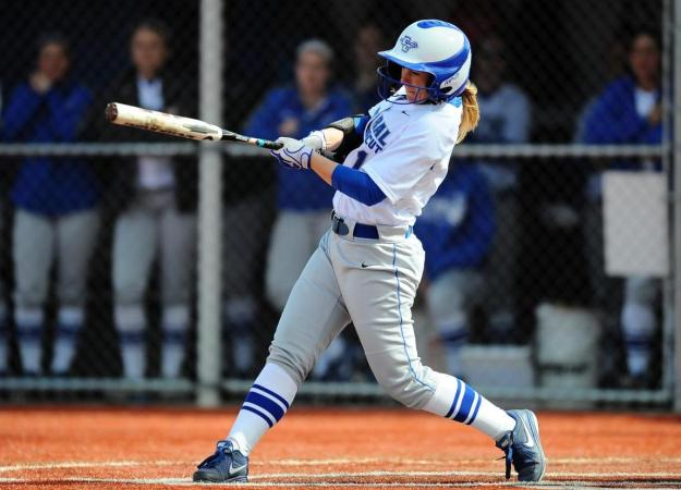 Rentzel Hits Walk-Off Homer in 8th; Softball 10-0 in the NEC