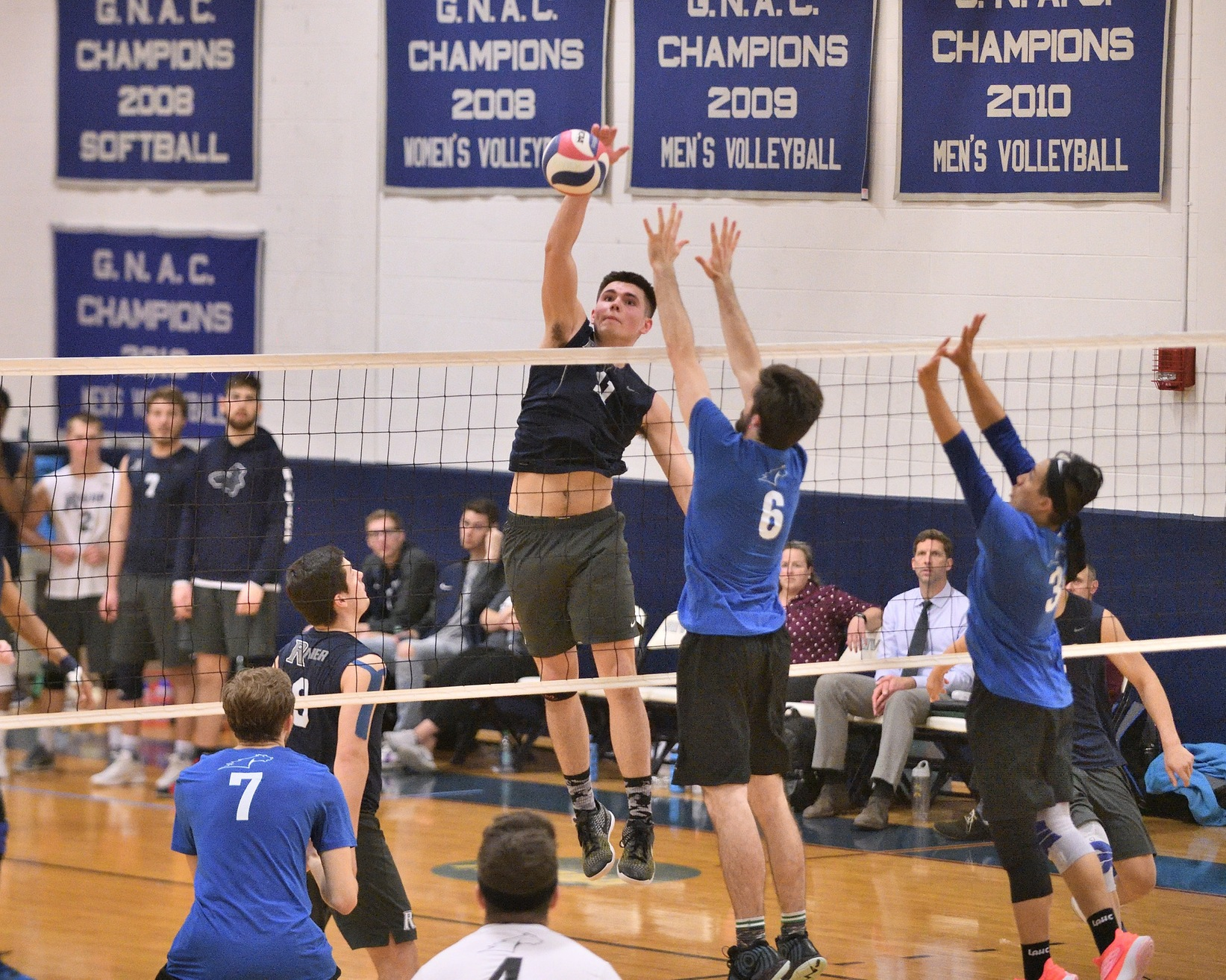 Men's Volleyball: Raiders pounce on Lions, 3-0