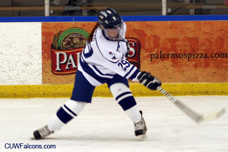 Women's Hockey earns split on Minnesota road swing
