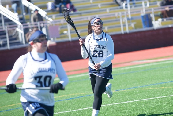 Women's Lacrosse Edges Out Worcester State 13-10 on Sunday Morning